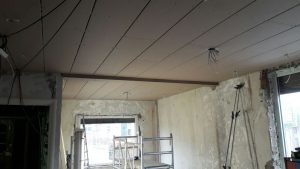 Verlaagd plafond gemaakt